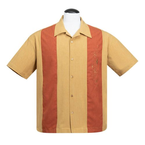 Mid Century Marvel Button Up er klassisk skjorte fra Steady Clothing i sennepsgul med 2 orange paneler og flot retrobroderi på venstre bryst